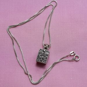 Jewelry - VINTAGE 925 STERLING SILVER PRAYER BOX & CHAIN